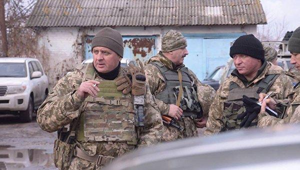 Виктор Муженко в зоне АТО