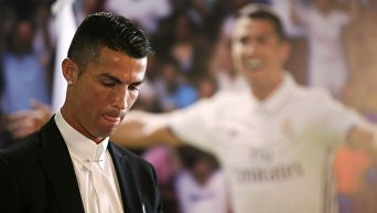 Церемония по случаю продления Роналду контракта с Реалом
