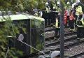 Трамвай сошел с рельсов в Лондоне