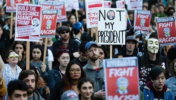 Акция протеста в Нью-Йорке против Дональда Трампа