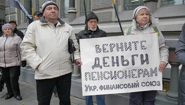 Определенной информации о вероятных провокациях ипопытках захвата админзданий нет,— Крищенко