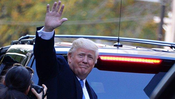 Трамп прилетел вВашингтон, где вскором времени встретится сОбамой