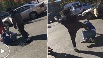В Чикаго сильно избили сторонника Трампа и украли его автомобиль