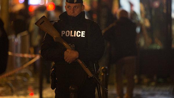Стинг открыл парижский театр Батаклан через год после терактов