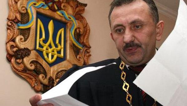 Прежний судья Зварыч желает восстановиться надолжности Судья-колядун возвращается