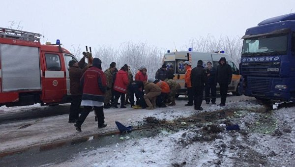 Автобус попал вДТП под Житомиром: 14 пострадавших, один умер