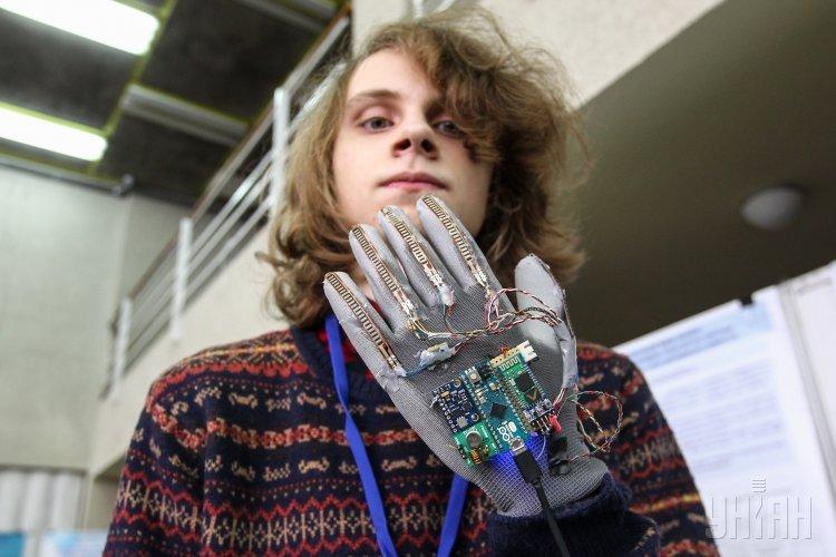 Участник всеукраинской выставки изобретений школьников Будущее Украины