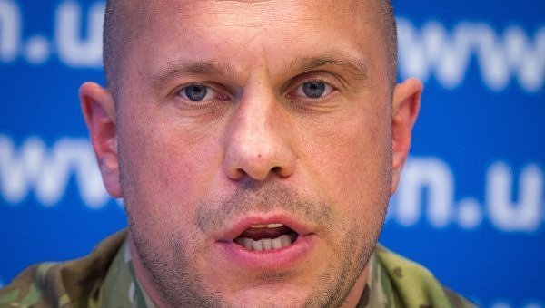 Аваков подарил Порошенко пистолет практически как уТрампа