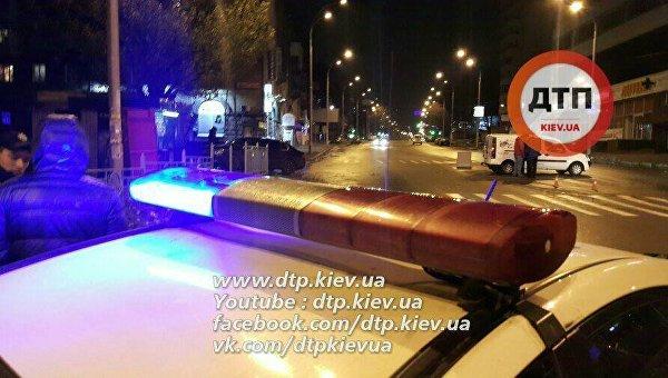 ВКиеве толпа нетрезвых избила девушку-патрульную