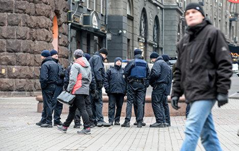 КИЕВ, 29 дек — РИА Новости Украина. Полиция совместно с Национальной  гвардией начала работать в усиленном режиме в Киеве, сообщил начальник  управления ... 325c36d87b2