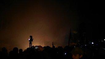 Активисты подожгли офис Виктора Медведчука