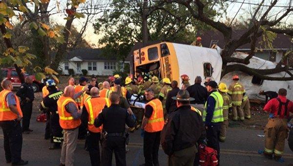Шесть человек погибли в ДТП со школьным автобусом в Теннесси