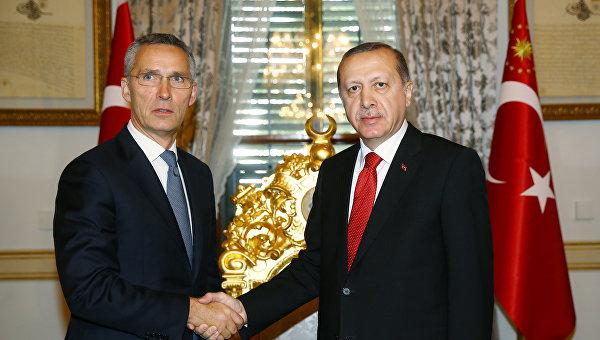 Президент Турции Тайип Эрдоган и генеральный секретарь НАТО Йенс Столтенберг