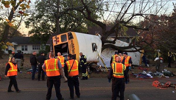 Водитель автобуса в США перед ДТП спросил детей, готовы ли они к смерти