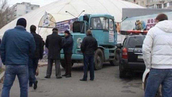 В Одессе у ледового катка произошла перестрелкаml