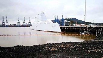 Новейший эсминец США Zumwalt сломался при переходе через Панамский канал