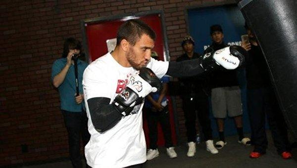 Украинский боксер Ломаченко защитил титул WBO ввесе до59 килограмм