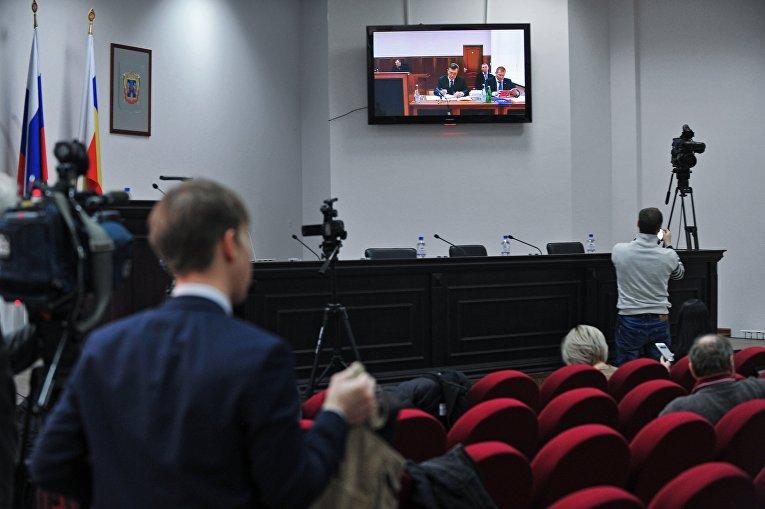 Янукович категорически против переноса допроса на2декабря