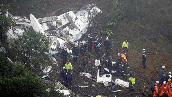 На месте крушения самолета возле Медельин, Колумбия