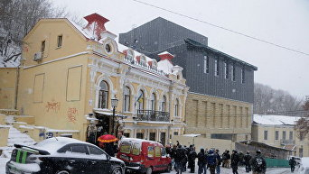 Новый фасад Киевского драматического театра на Подоле на Андреевском спуске в Киеве
