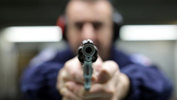 Практика стрельбы у полицейских