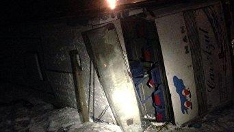 В Днепропетровской области перевернулся автобус с людьми