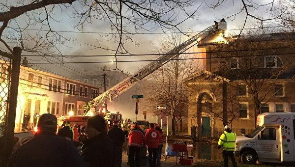 Мощный пожар впригороде Бостона охватил восемь зданий