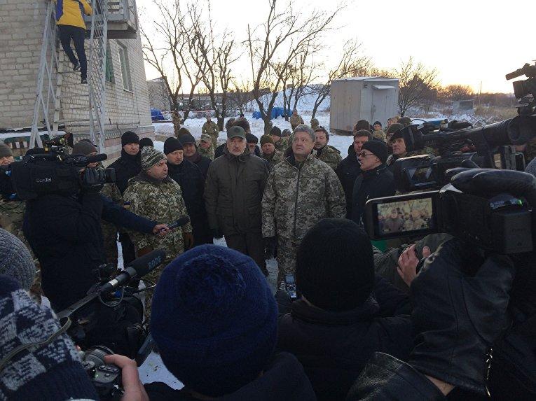 Порошенко открыл телевышку на горе Карачун под Славянском