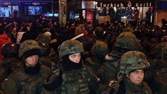 Погром в центре Киева на Бассейной
