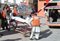 Крушение самолета в Пакистане: работа медиков