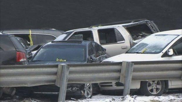 Около 50 машин столкнулись вСША: есть жертвы