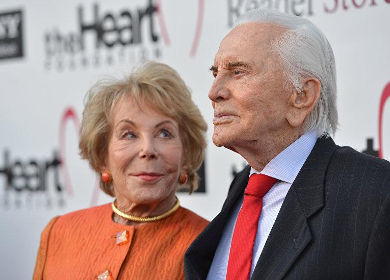 Кирк Дуглас с женой