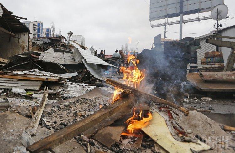 Демонтаж МАФов возле метро Политехнический институт в Киеве