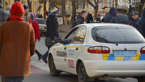 Возмущенные одесские студенты перекрыли улицу Пастера