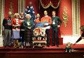 Музей мадам Тюссо нарядил королевскую семью в рождественские свитера