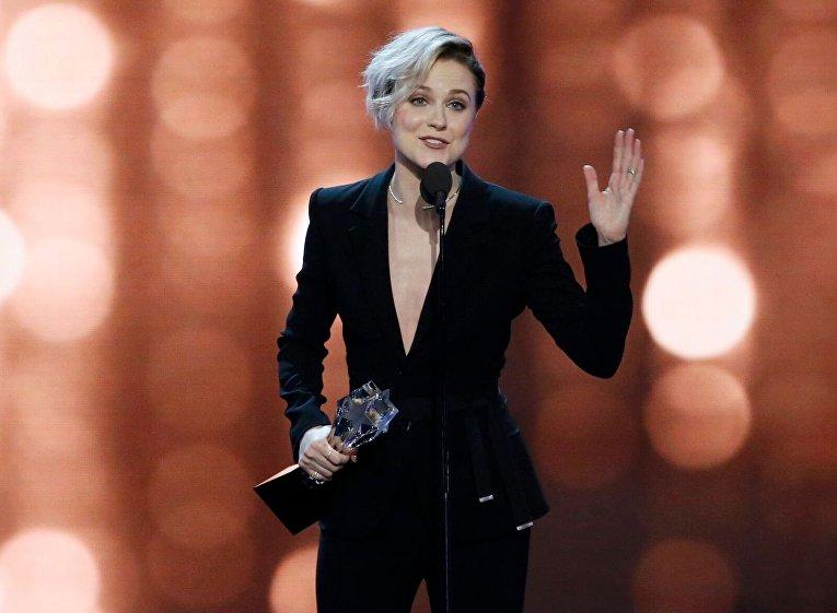 Эван Рэйчел Вуд на вручении премии Critics Choice