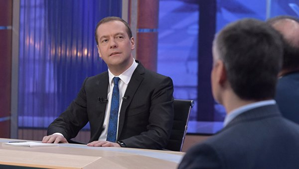 Медведев пошутил опереезде Орнеллы Мути в РФ