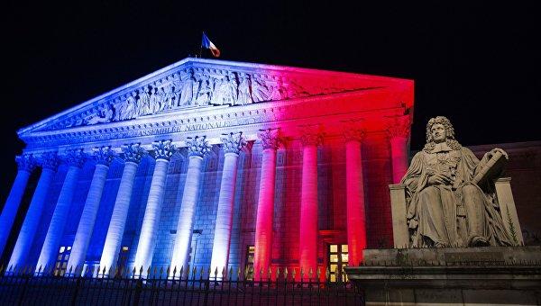 Парламент Франции проголосовал запродление режимаЧС вгосударстве