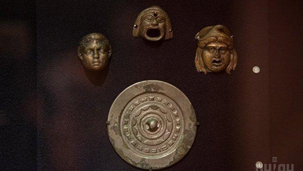 Музейный экспонат выставки Крым - золотой остров в Черном море