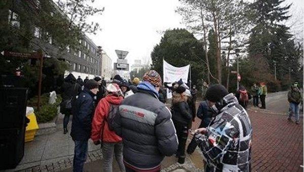 Митинг под сеймом Польши