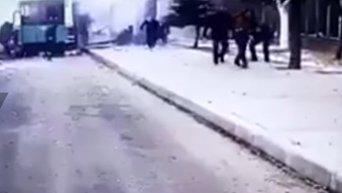 Момент взрыва террориста-смертника в турецком городе Кайсери. Видео