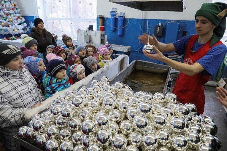 Фабрика елочных игрушек в Клавдиево
