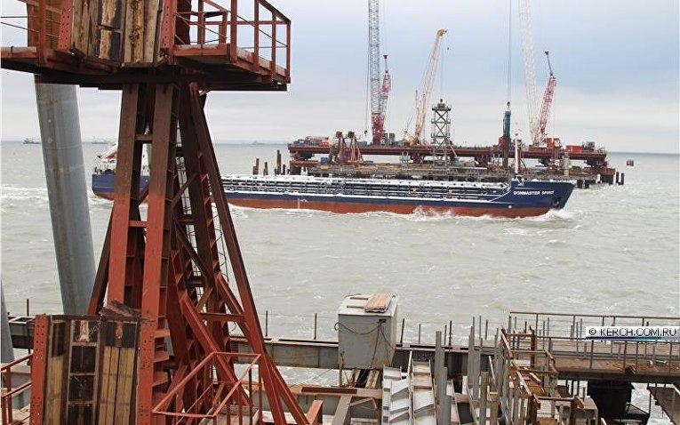 Стройка моста через Керченский пролив