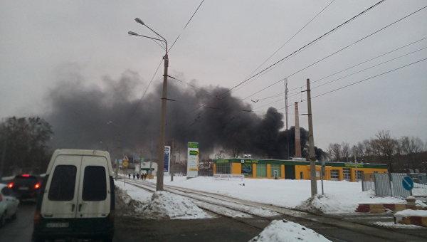 В пожаре на складе в Харькове погибли два человека