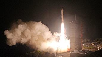 Японское агентство аэрокосмических исследований запустило ракету-носитель Epsilon-2 с новым спутником для изучения радиационных поясов Земли.