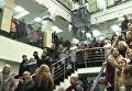 Песенный флешмоб на железнодорожном вокзале в Новокузнецке