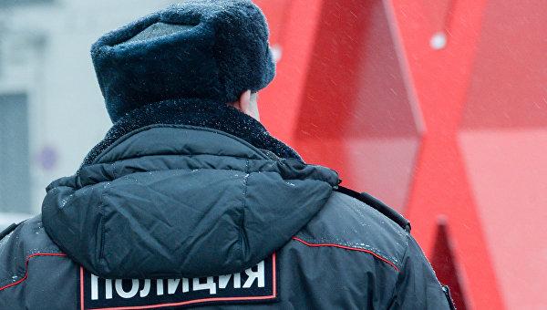 Полицейский на улице Москвы. Архивное фото