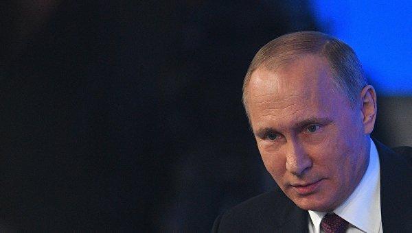 Путин установил наместо украинского корреспондента, попытавшегося обвинить РФ воккупации Донбасса