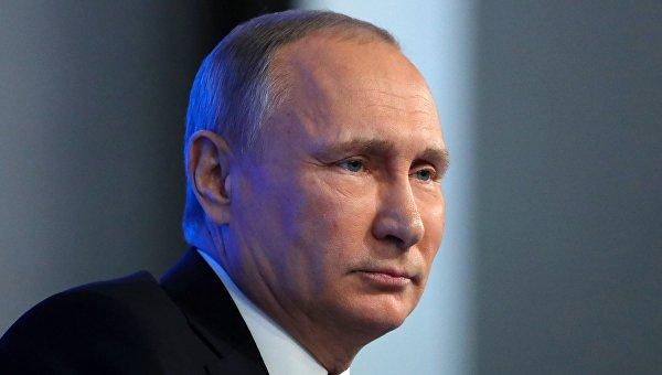 Русские писатели попросили В. Путина помиловать кинорежиссера Олега Сенцова