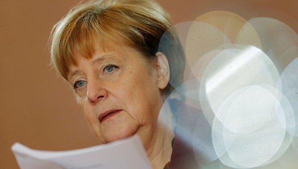 Меркель планирует обсудить сТрампом его «политику протекционизма»